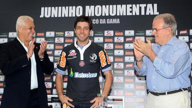 Juninho Pernambucano é apresentado no Vasco (Foto: André Durão / GLOBOESPORTE.COM)