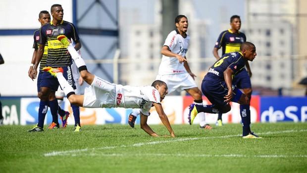 Ramirez, do Corinthians, no jogo contra o São Caetano (Foto: Marcos Ribolli / globoesporte.com)