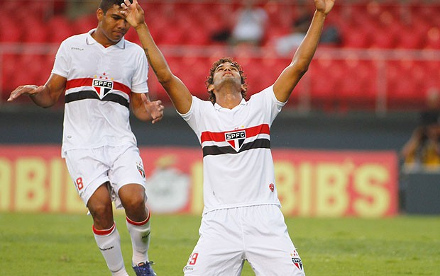 Willian José comemora gol do São Paulo contra o Paulista (Foto: Rodrigo Coca / Ag. Estado)