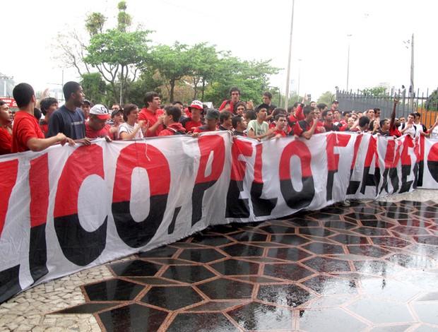 protesto flamengo gávea Zico faixa de apoio