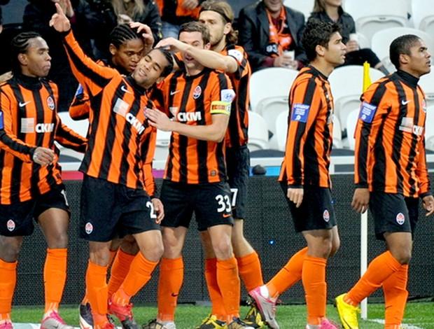 alex teixeira comemora gol do shakhtar donetsk (Foto: Shakhtar Donetsk)