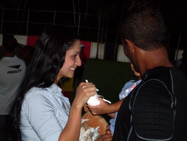 Viáfara com a mulher e a filha (Foto: Eric Luis Carvalho/Globoesporte.com)