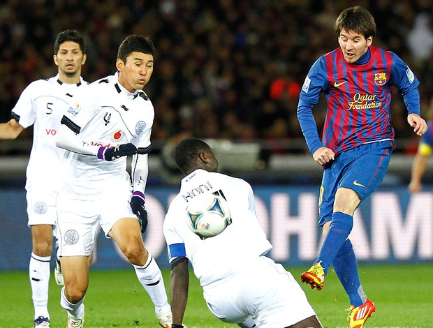 Messi no jogo do Barcelona contra o Al Sadd (Foto: Reuters)