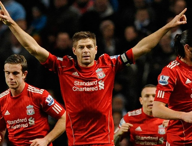 gerrard Manchester City x liverpool (Foto: Reuters)