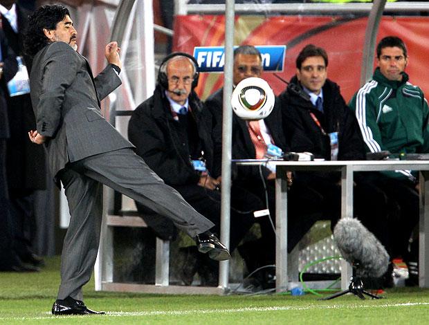 Maradona técnico Argentina bola