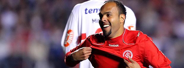 alecsandro internacional gol são paulo libertadores