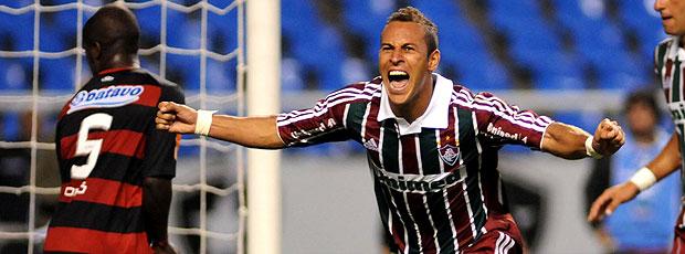 Rodriguinho comemora gol do Fluminense contra o Flamengo