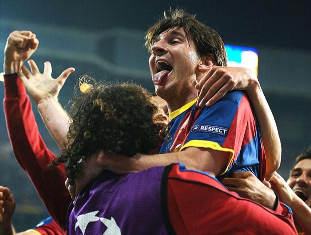 Messi comemora gol do Barcelona contra o Real Madrid (Foto: AFP)
