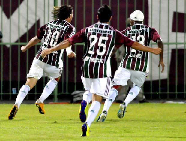 rafael moura fluminense gol atlético-GO (Foto: Dhavid Normando / Photocamera)