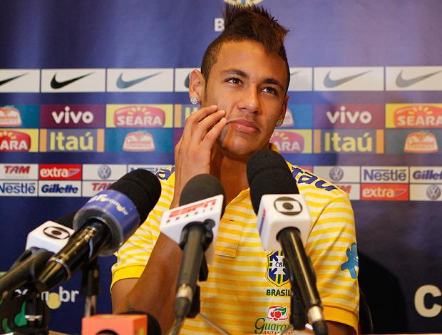 Neymar em coletiva na Seleção Brasileira (Foto: Rafael Ribeiro/CBF)