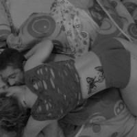 #BBB 13: Natália tasca beijo na boca de Yuri