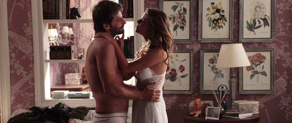 Agora é sério: Manuela e Rudy passam a noite juntos (Araguaia/TV Globo)