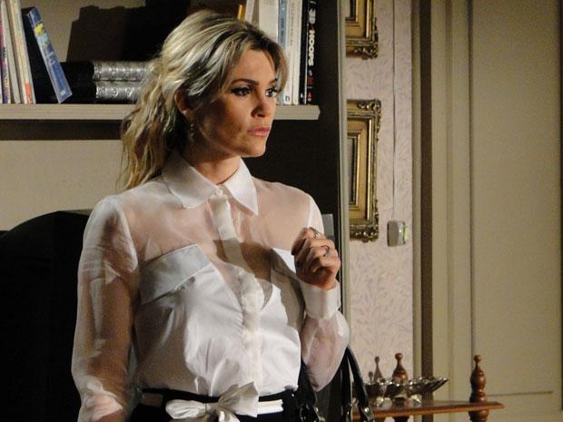 Naomi fica em situação delicada após a ameaça de Salomé (Foto: Morde & Assopra/TV Globo)