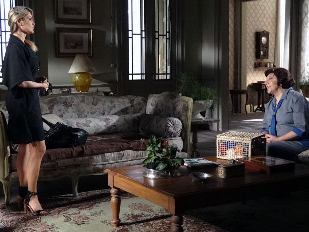 Salomé exige a casa de Ícaro e Naomi promete passar para o nome dela (Foto: Morde & Assopra / TV Globo)