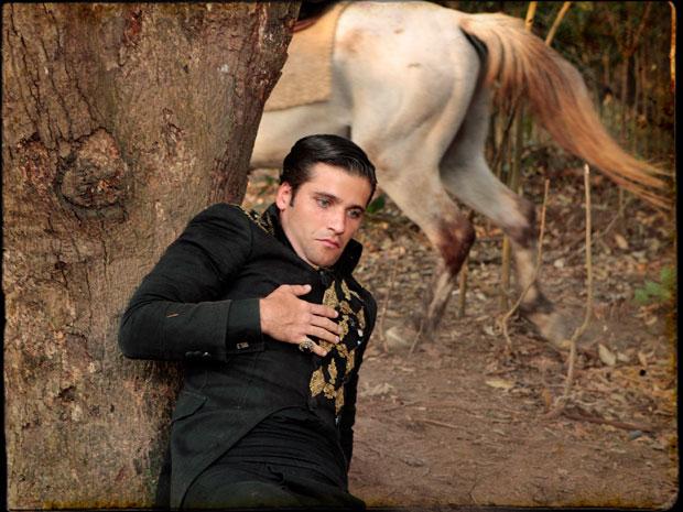 Timóteo fica gravemente ferido no confronto (Foto: Cordel Encantado/Tv Globo)
