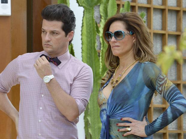 Tereza Cristina fica uma fera ao ver Antenor e Patrícia juntos