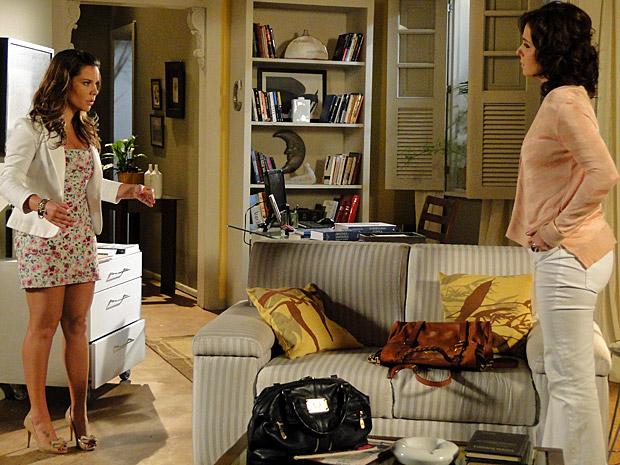 Camila diz para Claudia que não quer que seu filho seja criado perto de Bernadete