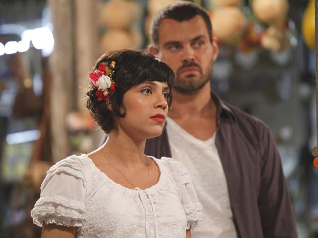 Miriam afirma que não vai desistir de falar com Carlos (Foto: Amor Eterno Amor / TV Globo)
