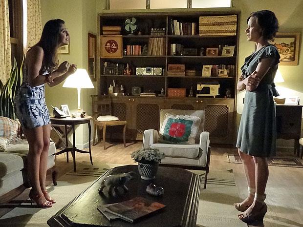 Laís discute com Marlene ao chegar em casa (Foto: Amor Eterno Amor/TV Globo)