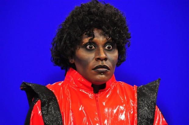 Neném se transforma em Michael Jackson (Foto: Renata de Paula / REDETV!)