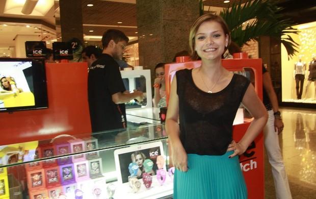 Milena Toscano em inauguração de loja de relogios (Foto: Isac Luz / EGO)
