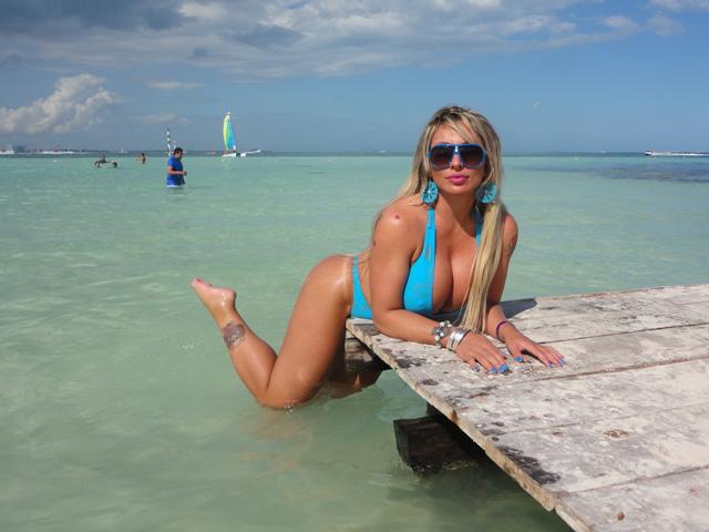 Sabrina Boing-Boing em Cancún no México (Foto: Divulgação / AG Famosos)