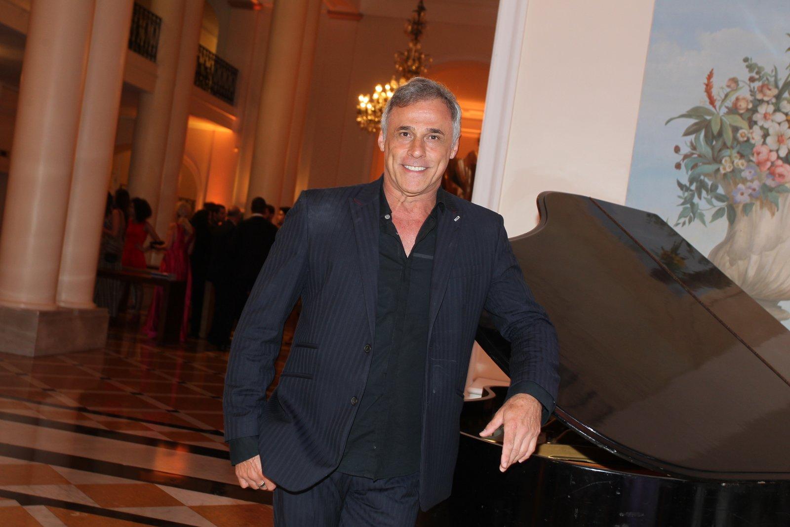 Oscar Magrini em prêmio de teatro na Zona Sul do Rio