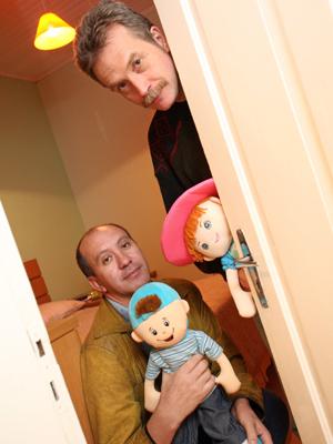 O casal Toni Reis e David Harrad, que pretende adotar uma criança, comemorou a decisão do STJ