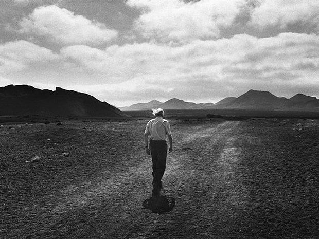 José Saramago na cidade espanhola de Lanzarote,  nas Ilhas Canárias, em  1996
