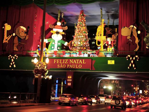 Praça de Natal foi inaugurada oficialmente nesta sexta-feira (3), na Avenida Paulista, em SP.