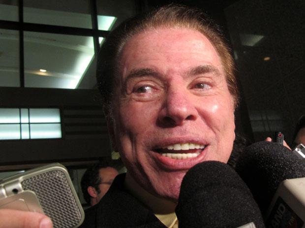 Silvio Santos anuncia venda do banco