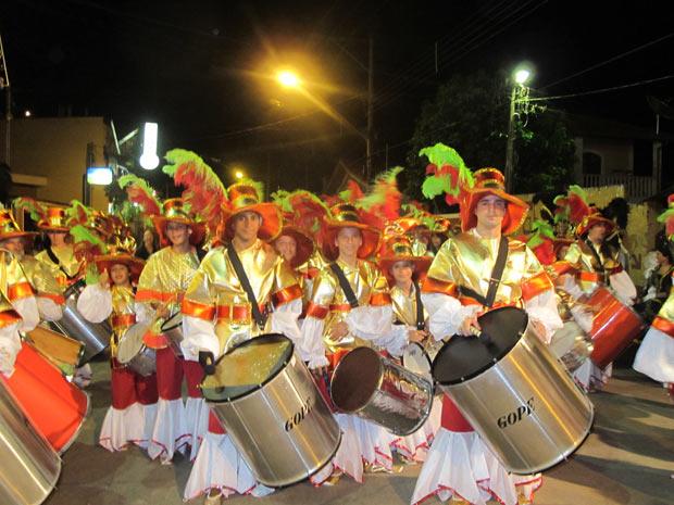 Resultado de imagem para escola de samba