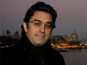 O jornalista e cineasta Maziar Bahari, que vem ao Brasil como jurado do festival É Tudo Verdade (Foto: Divulgação)