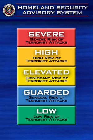 O atual sistema de alerta codificado em cores deve será ser substituído por um plano mais específico e informativo que será dividido em dois níveis: elevado e iminente.  (Foto: Joe Marquette/AP)