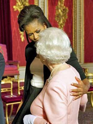 Michelle Obama com Elizabeth (Foto: AP)