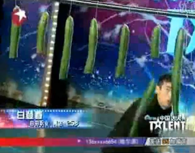 a575fe65bb0 Bai Dengchun se apresentou em show de talentos na TV chinesa. (Foto   Reprodução