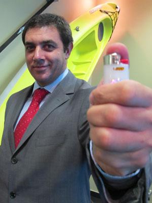 Isqueiro Maxi representa mais de 20% do faturamento da BIC  (Foto: Darlan Alvarenga/G1)