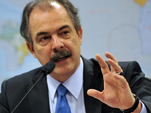 Aloizion Mercadante -- Brazilian Minister of Science and Technology -- wants to strengthen Brazilian gaming market (Photo: Antonio Cruz / Agência Brasil)