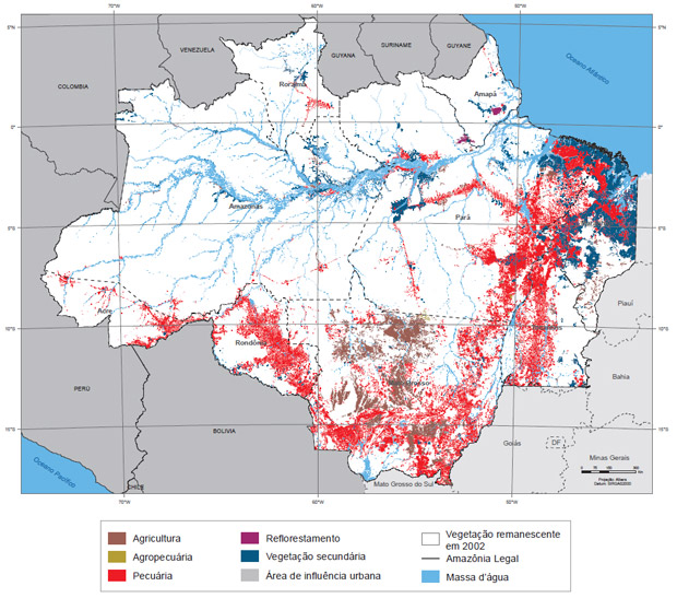 Mapa do IBGE mostra as áreas antropizadas (com interferência humana) na Amazônia Legal até 2002. As áreas brancas são as que ainda conservam sua condição natural. As vermelhas são de pecuária. As azuis escuras são de florestas secundárias, ou seja, regeneradas após desmatamento.  (Foto: Reprodução)