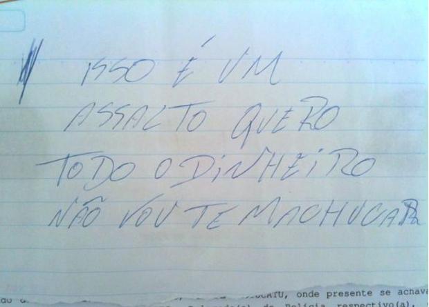Vítima achou que o assalto era uma brincadeira do homem quando ele lhe mostrou o bilhete (Foto: Foto: André Godinho / TV Tem)