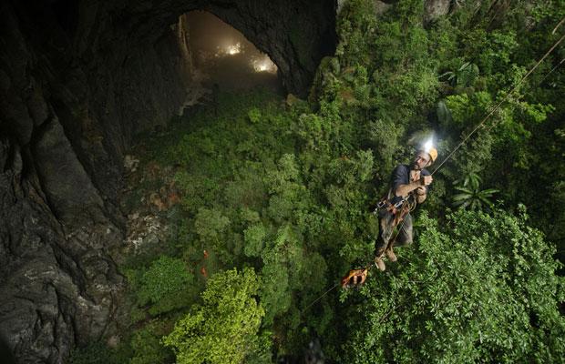Caverna já havia sido usada como esconderijo contra os bombardeios americanos durante a Guerra do Vietnã (Foto: Carsten Peter/ National Geographic Stock / Caters )