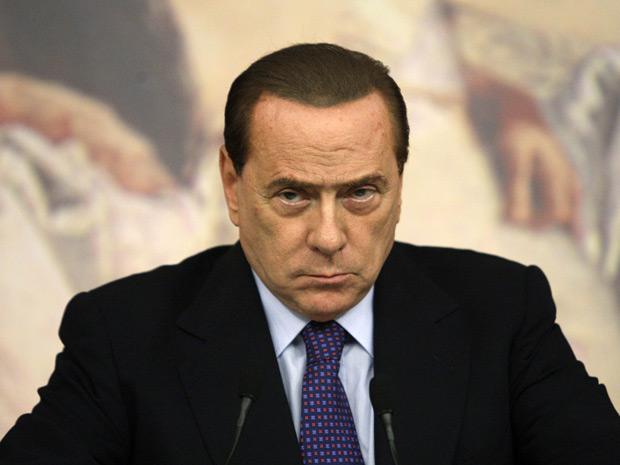 O premiê da Itália, Silvio Berlusconi, anuncia plano de corte de gastos nesta sexta-feira (12) (Foto: Reuters)
