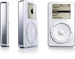 O primeiro iPod foi lançado em 2011 e tinha capacidade para mil músicas (Foto: Divulgação)