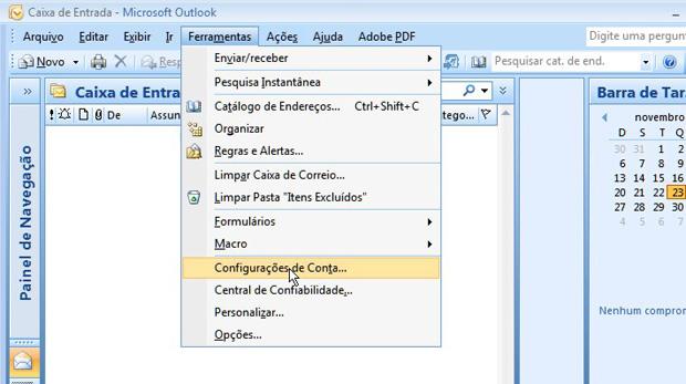 No Outlook 2007, clique em Ferramentas e Configurações da conta (Foto: Reprodução)
