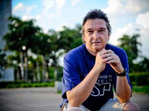 Formado em Direito, Spanos já cursou medicina, cinema, odontologia e letras (Foto: Raul Zito/G1)