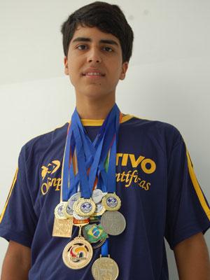 Gustavo Haddad conquistou mais de 40 medalhas (Foto: Objetivo/ Divulgação)