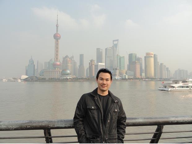 Rodrigo Murayama, 22, interrompeu os estudos de economia no Brasil para estudar mandarim na China (Foto: Arquivo pessoal)