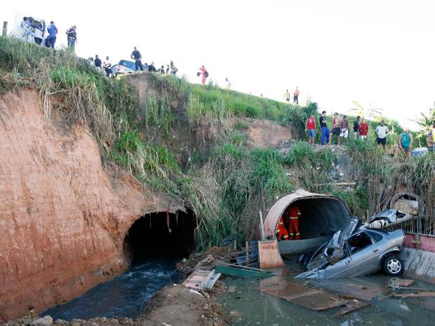 Perseguição termina em acidente e seis mortes em Salvador, diz polícia (Foto: Gildo Lima/Agência A Tarde/AE)