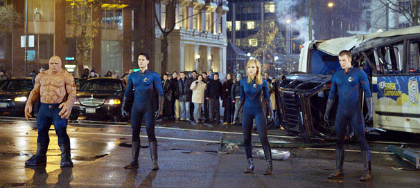 Johnny Storm (Chris Evans), Ben Grimm (Michael Chiklis), Sue Storm (Jessica Alba) e Reed Richards (Ion Gruffudd): o Quarteto Fantástico