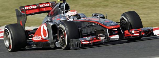 Jenson Button se destacou no primeiro treino livre no Japão (Foto: Reuters / GloboEsporte.com)